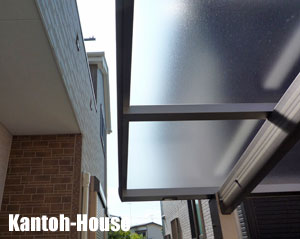 屋根ふき材色はトーメイマットです