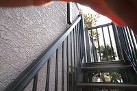 1階から昇る階段を設置